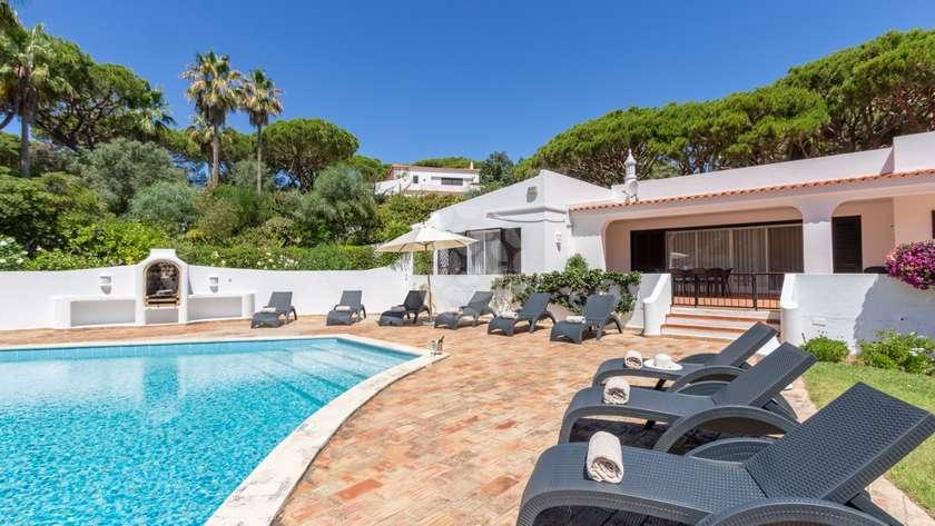 standard-4-bedroom-detached-villa-pool