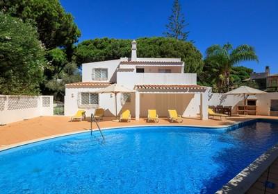 Detached villa in prime location