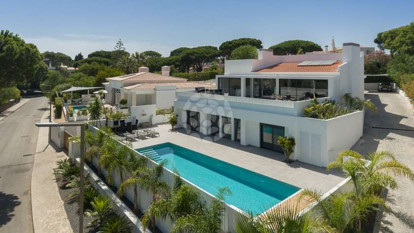 stunning-south-facing-villa