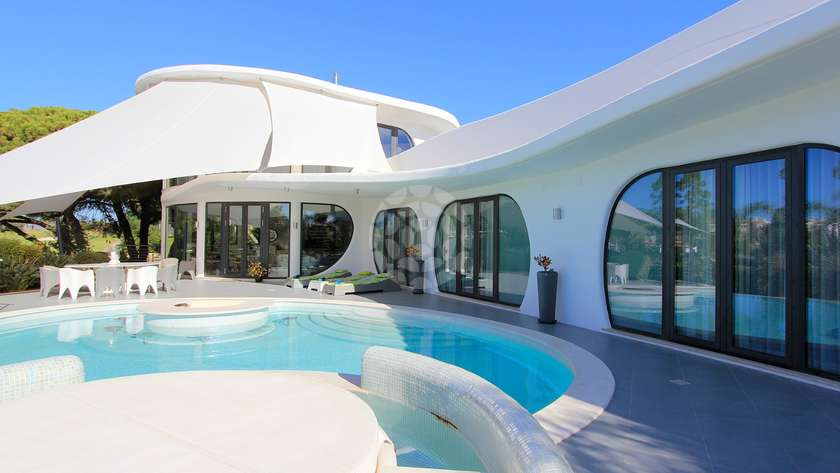 five-bedroom-villa-pool