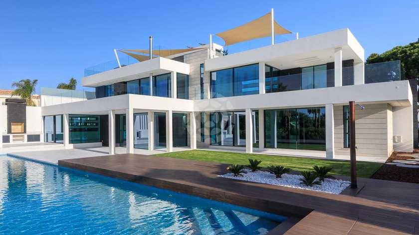 Prestigious_contemporary_villa