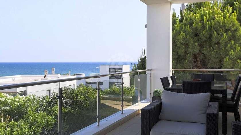 elite-4-bedroom-detached-villa-pool_r2