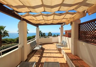 superior-4-bedroom-detached-villa-pool_thumbnail