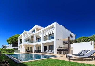 elite-4-bedroom-detached-villa-pool_r2_thumbnail