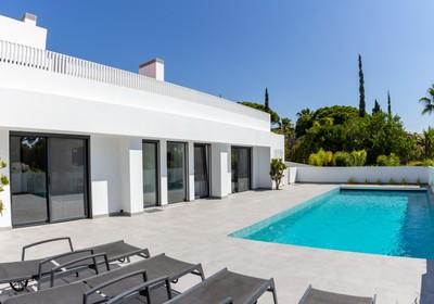 stunning-south-facing-villa_thumbnail