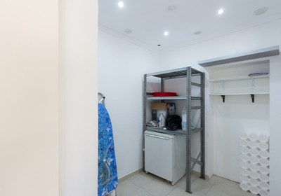 fully-renovated-two-bedroom-duplex-pool_thumbnail