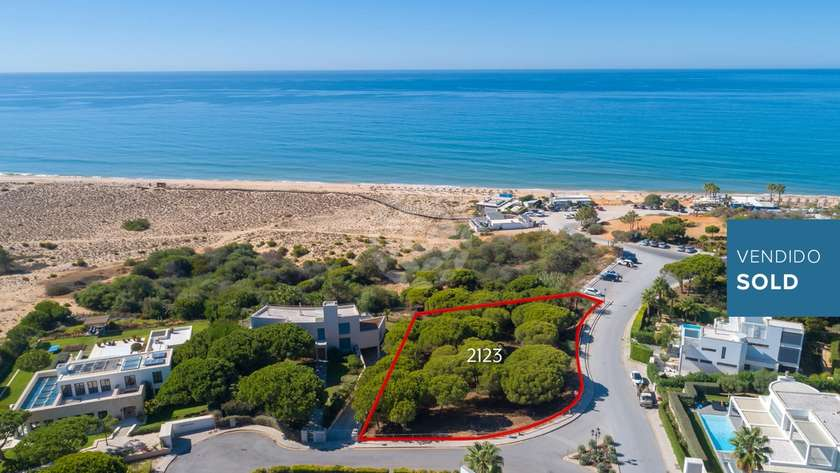 prime-beachfront-location