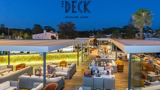 """The Deck"" Bar na Praça"