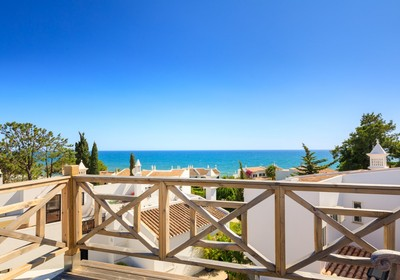 Renovated detached villa with sea view