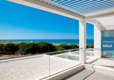 stunning-beachside-villa_thumbnail
