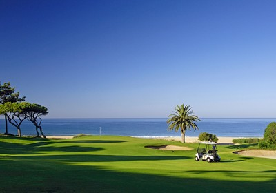 "2002: Vale do Lobo wins ""Company of the Year"" prize from The Portuguese Golf Federation"