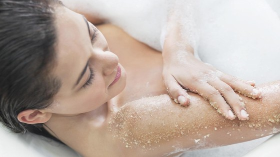 Take care of your skin with a mineral salt bath