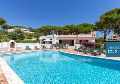 Charming Villa in spacious plot